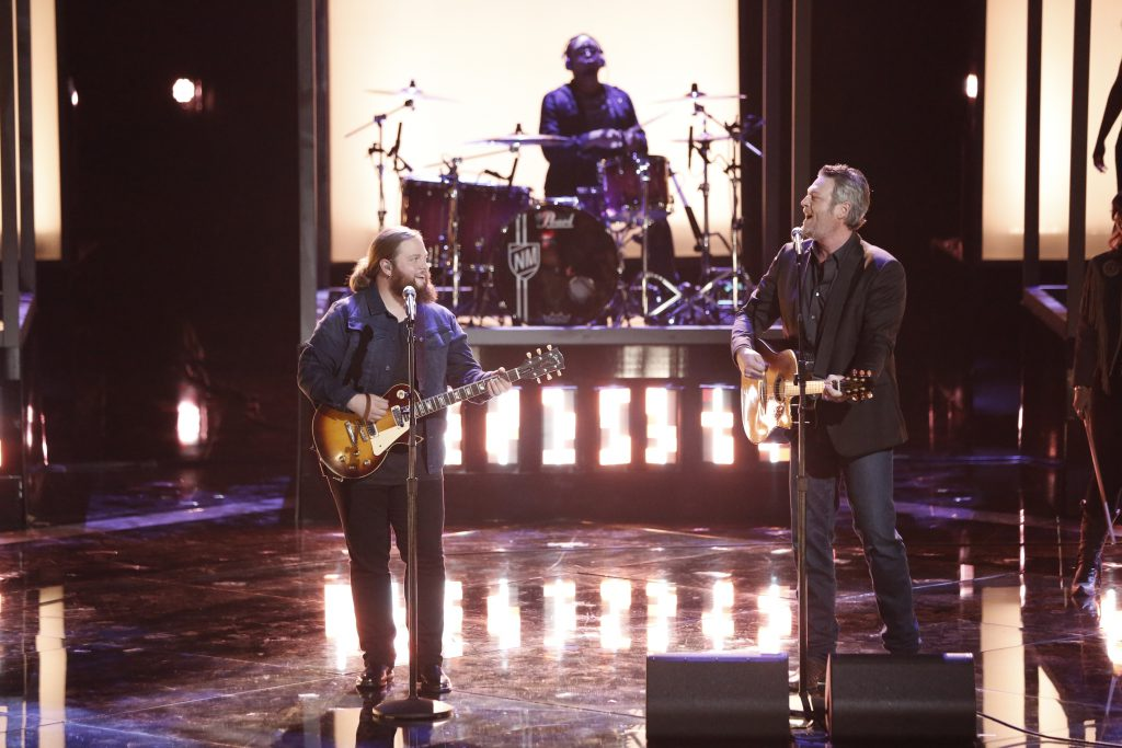 "THE VOICE -- ""Live Finale"" Episode 1519A -- Pictured: (l-r) Chris Kroeze, Blake Shelton -- (Photo by: Tyler Golden/NBC)"